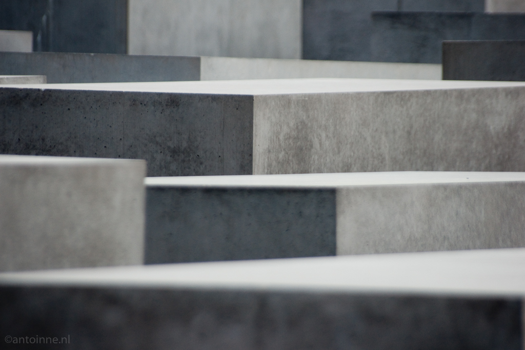 Detail (Berlin, Holocaust-Mahnmal) 100410-01713