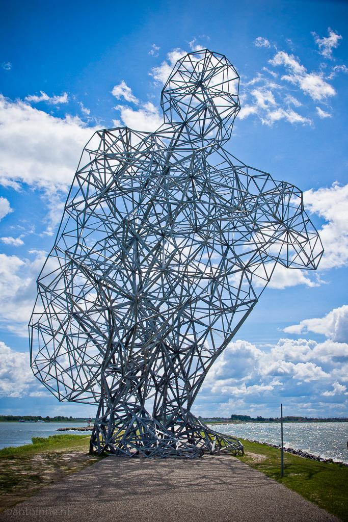 Exposure by Antony Gormley (Houtribdijk Lelystad, mei 2011) DSC03301