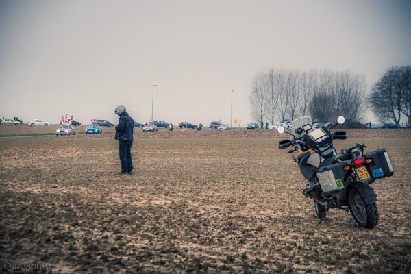 Linearecta bereidt zich voor (op Franskouter, Omloop het Nieuwsblad 2013) - DSC00917